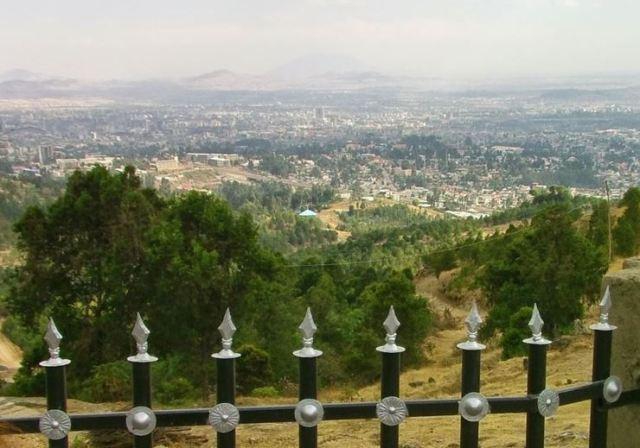 Antes de abandonar la ciudad hubo tiempo de recorrerla y contemplar las vistas desde el monte Entoto