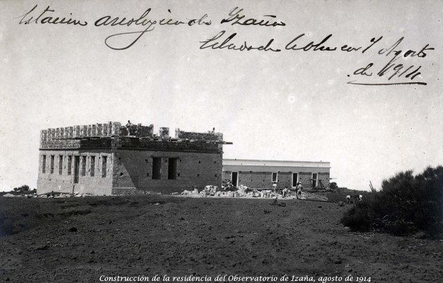 Construction of the residence of the Izana Observatory in 1914