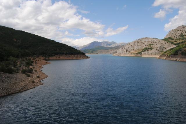 reservoir-108683_1920