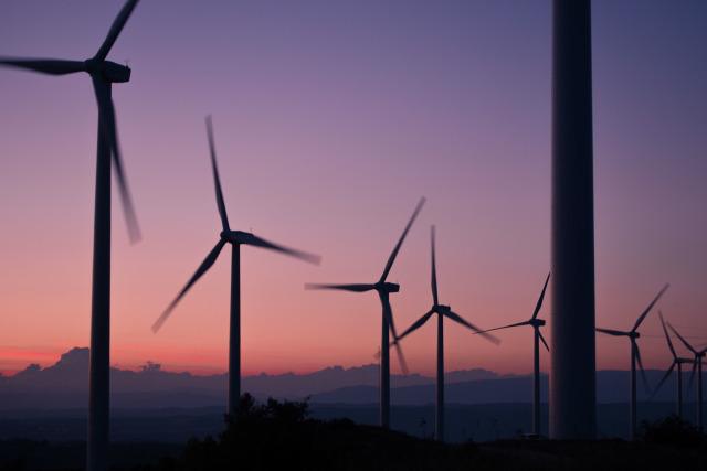 windmills-984137_1920