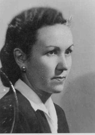 Antonia Roldán en1935 cuando aprobó la oposición