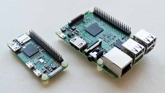 Placas Raspberry Pi (Zero W a la izquierda, 3B a la derecha)c