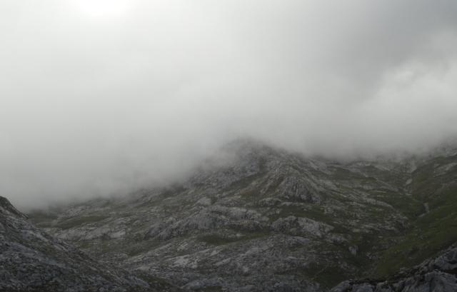 Niebla en Picos de Europa.JPG