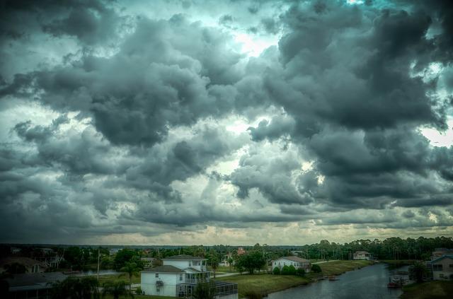 storm-466677_640
