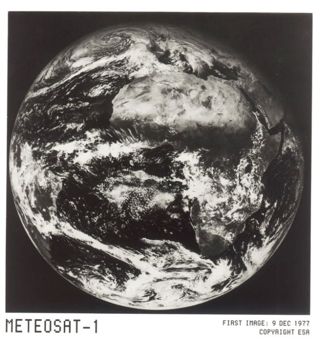 Meteosat-1_first_image_node_full_image_2